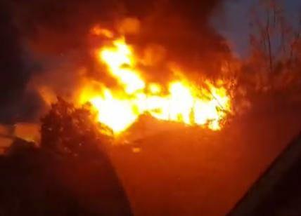 """incendio - Incendio sulla """"Bussentina"""" - paura tra gli automobilisti"""