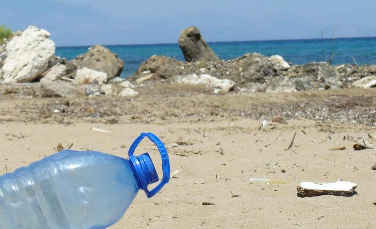 spiaggia 770x470 - Spiagge, 783 rifiuti ogni 100 metri (anche guanti e mascherine)