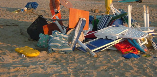ombrellone - Castellabate contro l'occupazione abusiva del litorale