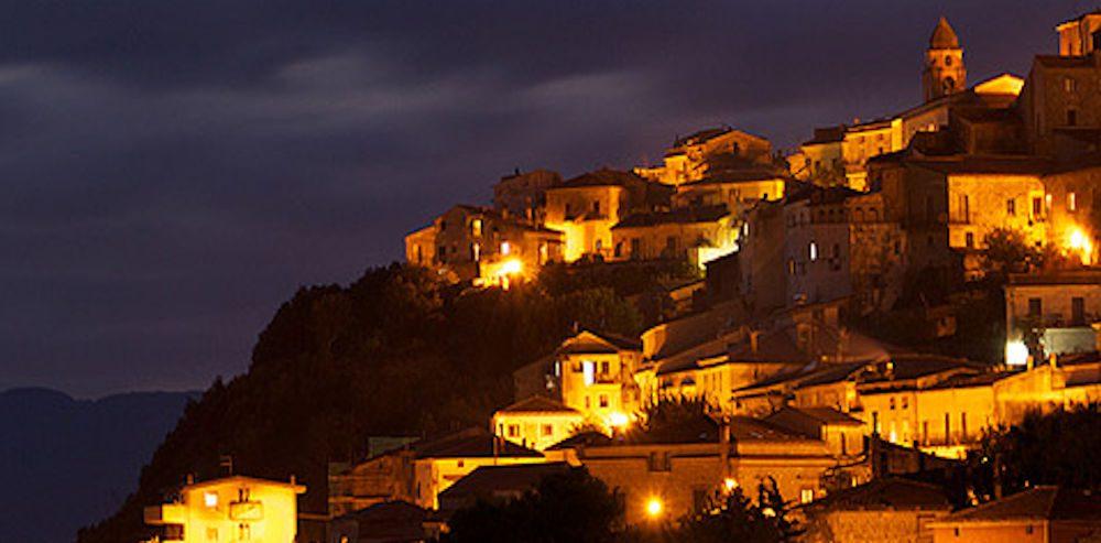 roccagloriosa - Roccagloriosa, incontro con l'autore Raffaele Alliegro: <<Vi presento il 'Segreto di Bruto'>>