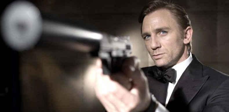 007 a Sapri e Maratea (e gli studenti ritardano la scuola)