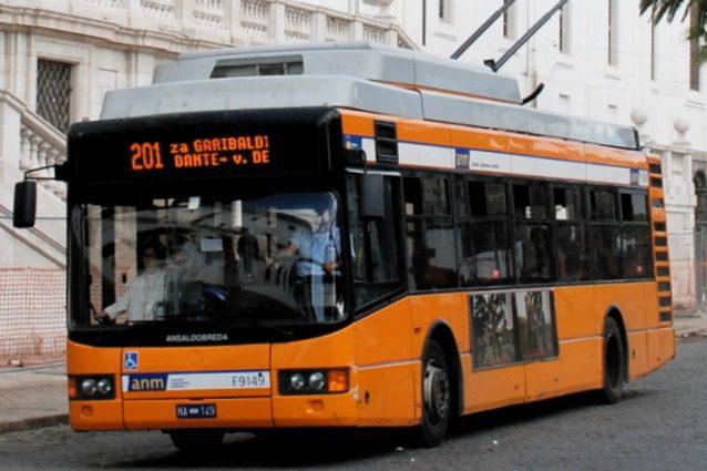 Regione Campania, trasporti: si rinnova la campagna per gli abbonamenti gratuiti agli studenti