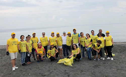 Gruppo Vegè - Tour VéGé-Legambiente: ripuliamo le spiagge - le iniziative anche a Salerno