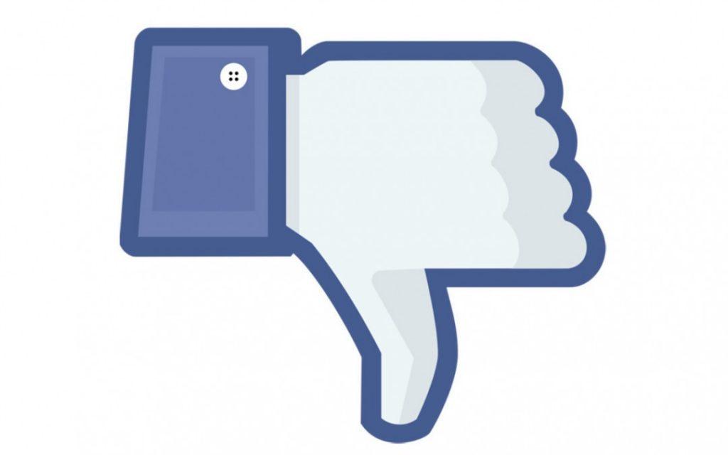 dislike 1080x675 1024x640 - Bloccati gli account Facebook e Instagram di Casapound