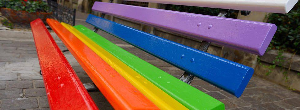 """Agropoli colorata con le """"Panchine d'artista"""""""