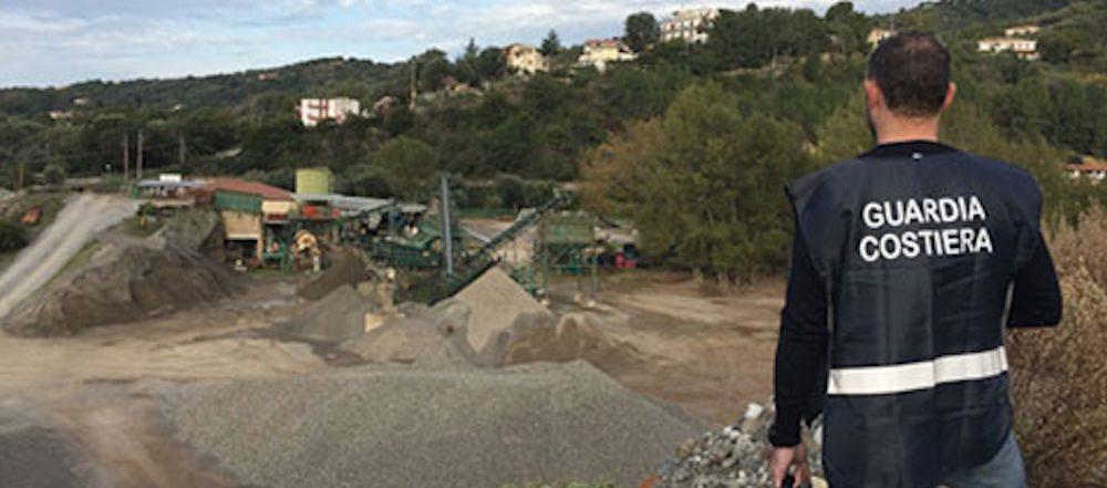 Palinuro, sequestrato uno stabilimento adibito a frantumazione inerti e gestione rifiuti.