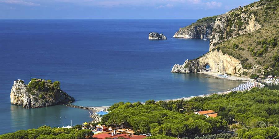 Palinuro, Arco Naturale: la spiaggia riaprirà quest'estate