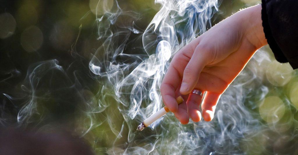 domande fumo 1024x535 - Stop al fumo all'aperto entro il 2030 e presto alle fermate dei bus - la proposta