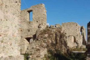 Torniamo ai resti della Chiesa di S. Maria degli Eremiti a Sessa Cilento, questa volta con il drone – video