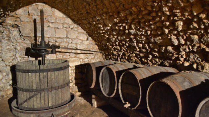 """Certosa di Padula: """"Dalla Vigna al maestoso torchio"""", antica lavorazione del vino – 2 febbraio 2020"""