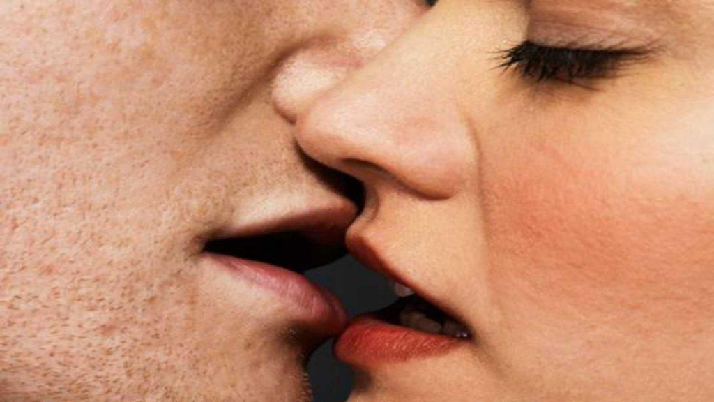 """3original da non fare durante il primo bacio 19199547 3 ita it 10 cose da non fare durante il primo bacio jpg optimized 1 1024x576 - Grotte di Pertosa, con il #kissticket, """"il bacio obbligatorio"""" paga una persona (invece di due)"""