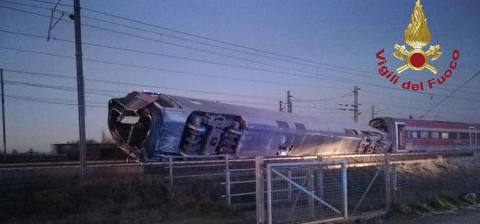 freccia - Frecciarossa Av 9595 Milano-Salerno deragliato nei pressi di Lodi: 2 morti e diversi feriti