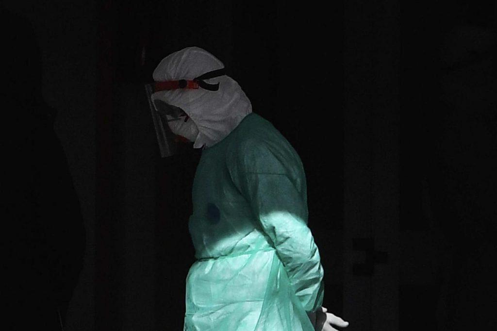 1585191188 medico triste coronavirus fg 1024x682 - Albanella, un decesso per covid