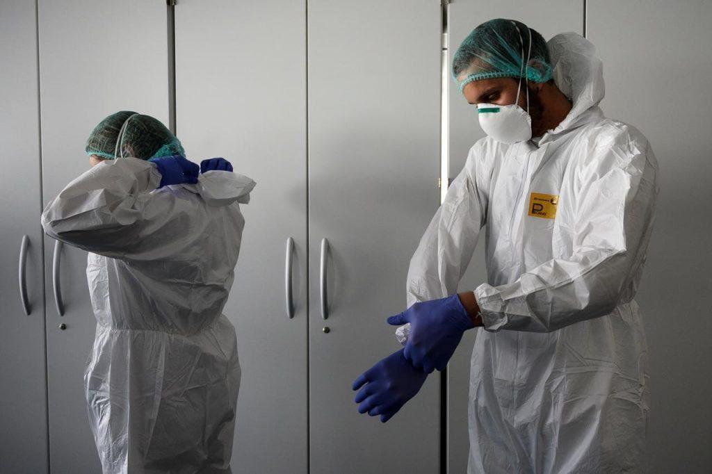 """Coronavirus, """"pazienti più contagiosi in primi 7 giorni sintomi"""""""
