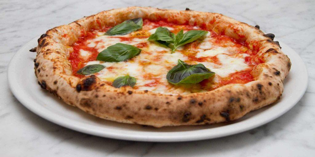 """A Caggiano """"Le grotticelle"""" tra le migliori 10 pizzerie del mondo"""
