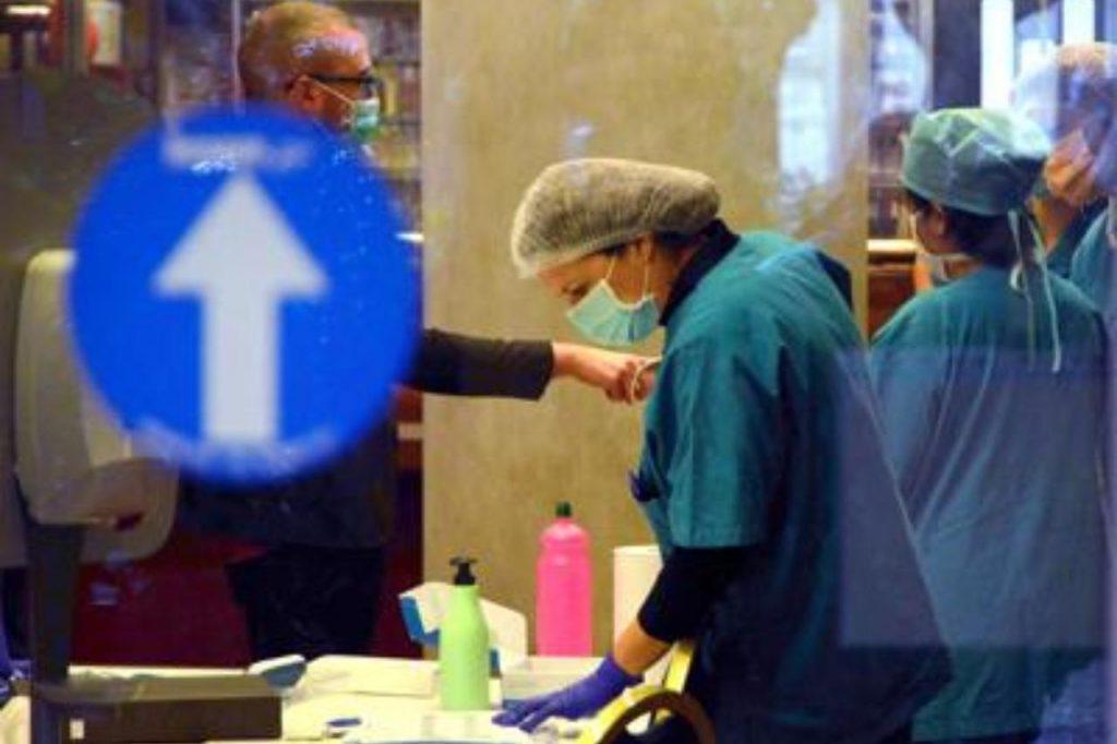 """1589655060 Coronavirus Infermieri Fg 1024x682 - Ministero Salute-Iss-Regioni: """"Infezione sotto controllo"""""""