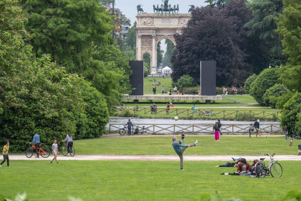 """coronavirus parco Milano Fg 1024x682 - Coronavirus, Pregliasco: """"Lombardia ancora sorvegliata speciale"""""""