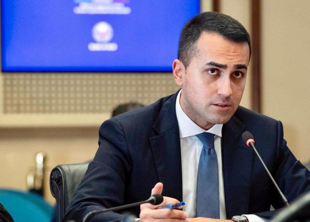 """DiMaio scrivaniaUFS 1024x733 - Grecia, colloquio Di Maio-Dendias: """"No limitazioni a turismo"""""""