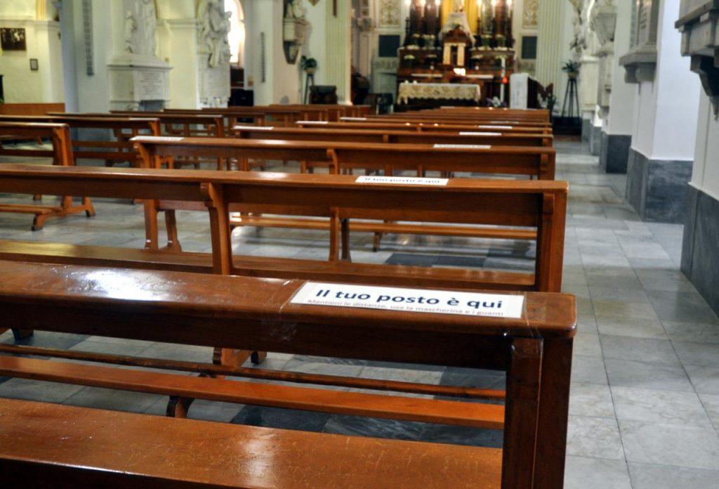 chiesa fase2 fg 1024x696 - No obbligo guanti per comunione in chiesa e sposi senza mascherina