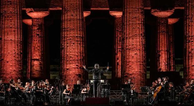5332496 1511 muti - Parco Archeologico di Paestum, il concerto di Muti su Rai Uno - 23 Luglio ore 23.15