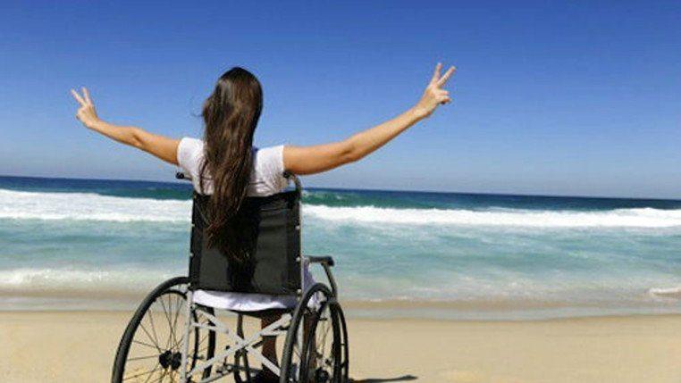 """spiaggia accessibile ai disabili 762x429 1 - A Marina di Eboli il """"mare per tutti"""", spiagge per persone con disabilità"""