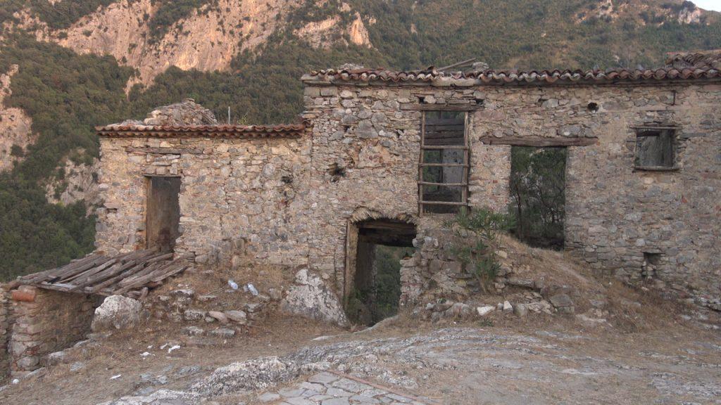 Cilentano.it sul Mingardo ed al vecchio borgo di San Severino con i droni – Fimi x8 e Mini Mavic (video droni)
