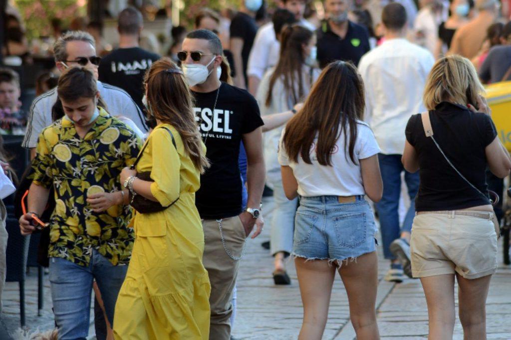 """""""Giovani veicolo Covid, studio conferma rischi"""""""