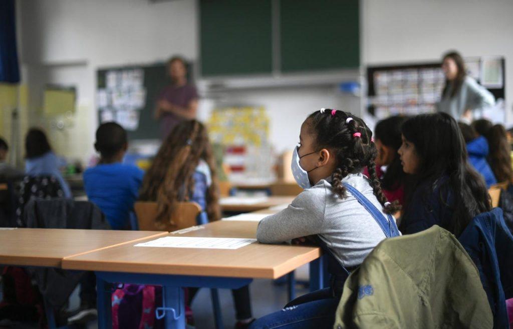 scuola alunni virus afp (1) 1024x657 - Castellabate, parte il servizio mensa - info