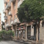 2 150x150 - Tromba d'aria a Salerno, sdradicati grossi alberi, auto coinvolte - le foto ED IL VIDEO