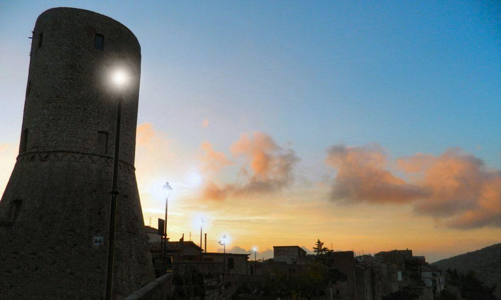 Il puzzle della domenica: Tramonto da Castelcivita