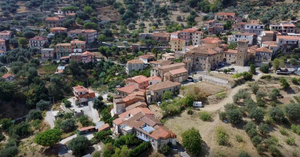 Cilento sconosciuto:  Ortodonico (frazione di Montecorice) – video drone