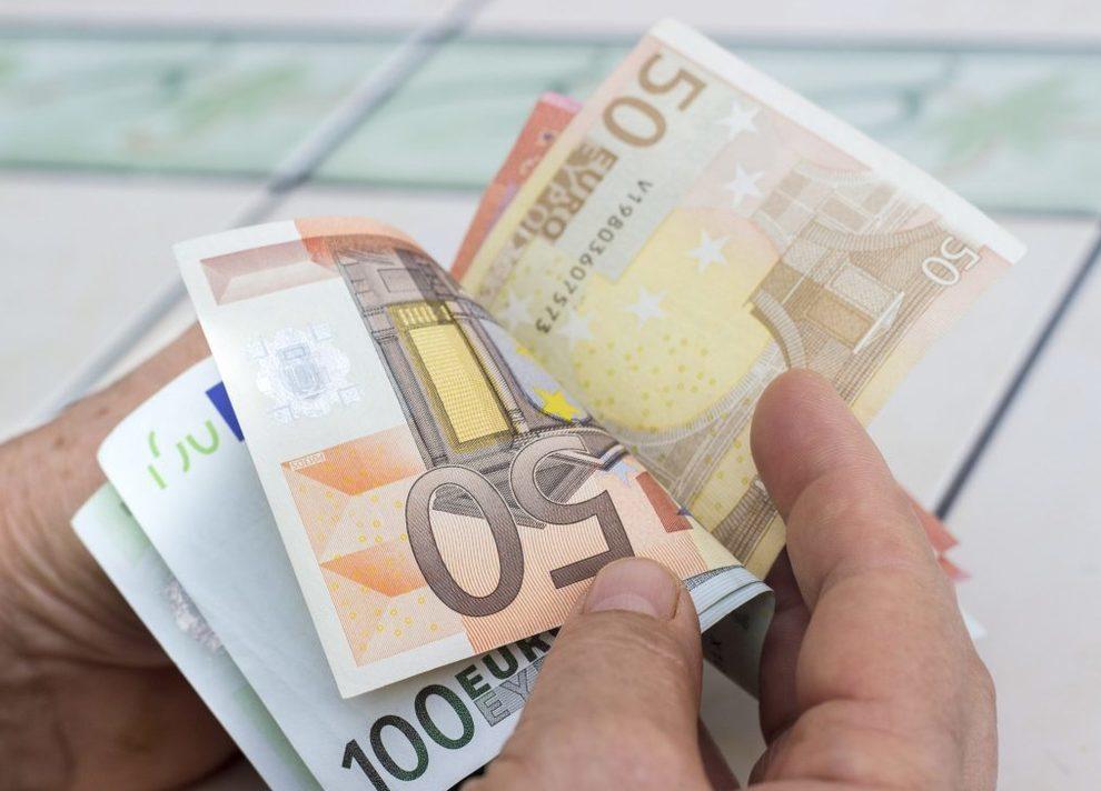 """5090682 1243 coronavirus soldi contagio - """"Coronavirus resiste 28 giorni su banconote e smartphone"""""""