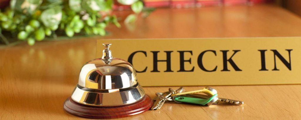 """hotel checkin 1024x410 - Luci d'Artista, la proposta alternativa di sei consiglieri: il """"soggiorno a costo zero"""""""