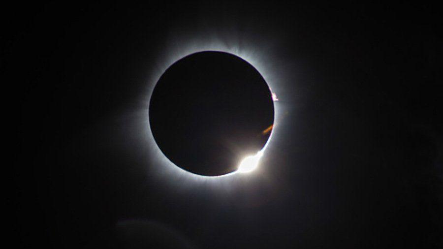 Eclissi totale di lunedì 14, non visibile dall'Italia ma in streaming! – live