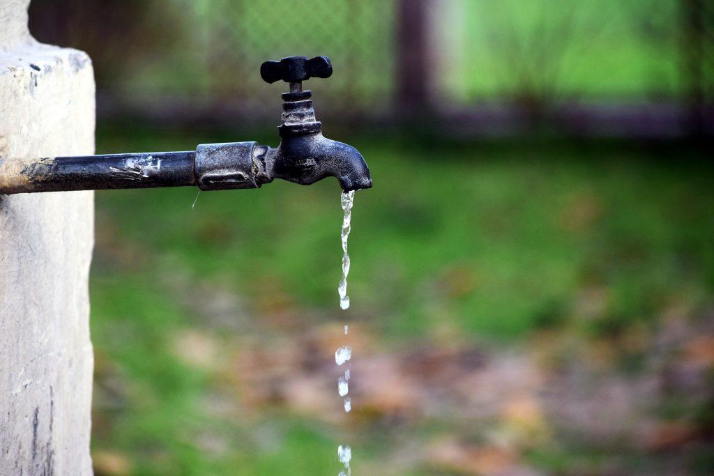 Sprechi di acqua potabile. La Giornata mondiale dellacqua 2 1024x683 - San Martino Cilento: manca l'acqua da sabato sera. Anche i serbatoi hanno un limite.