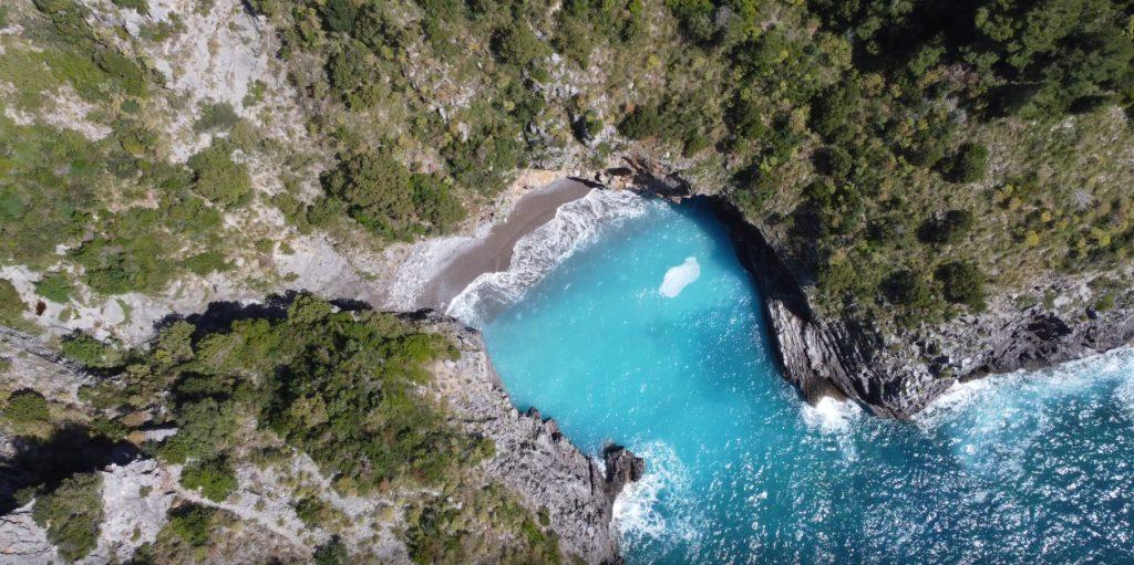 mezza 1024x511 - Cilento visto (anche dal drone), andiamo nel Golfo di Policastro - prime immagini