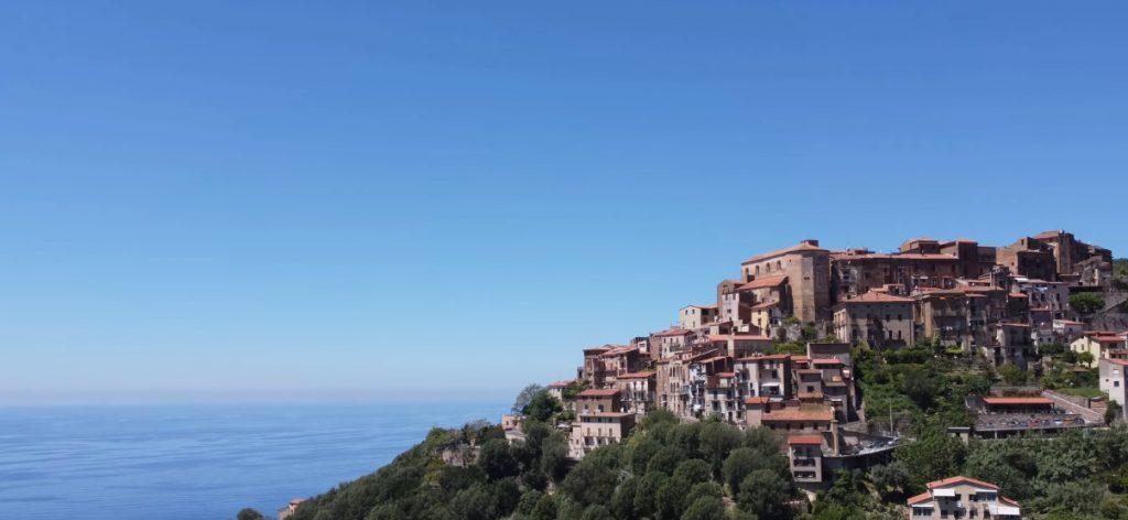 pisciotta 1024x472 - Andiamo a Pisciotta (e la sua Marina) con il drone - video