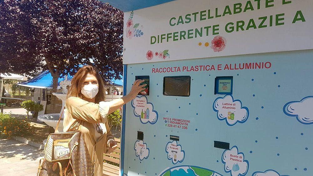 01062021 eco point castellabate  sindaco maiuri 03 - Castellabate, tre eco-compattatori per il territorio