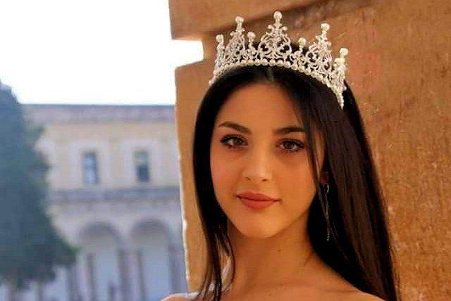 elena - In edicola: oggi sul quotidiano La Città intervista e foto di Miss Cilento Elena Paciello