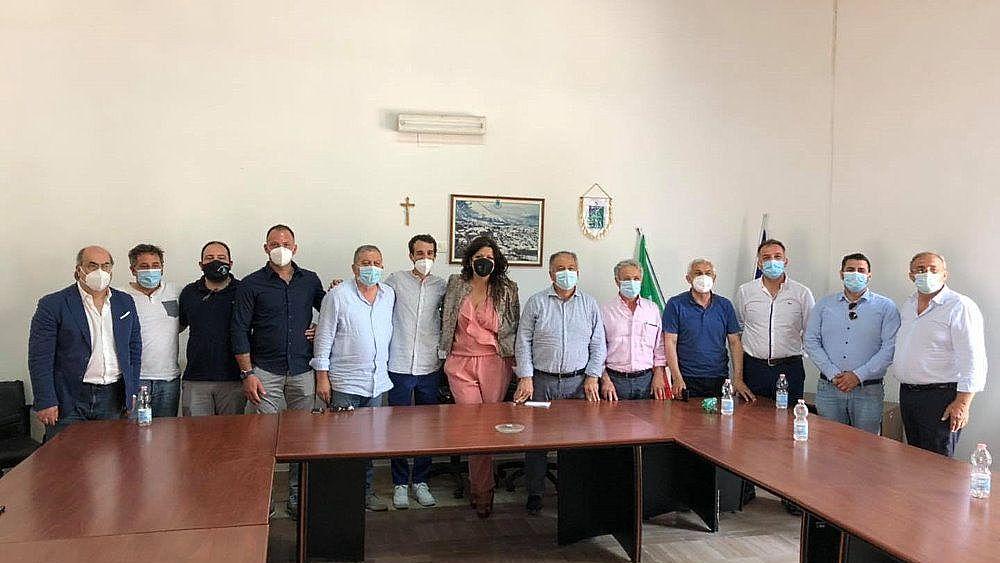 12072021 anna bilotti con i sindaci a oliveto citra 03 - Incontro tra Bilotti (M5S) ed i sindaci dell'Alto Sele-Tanagro-Alburni