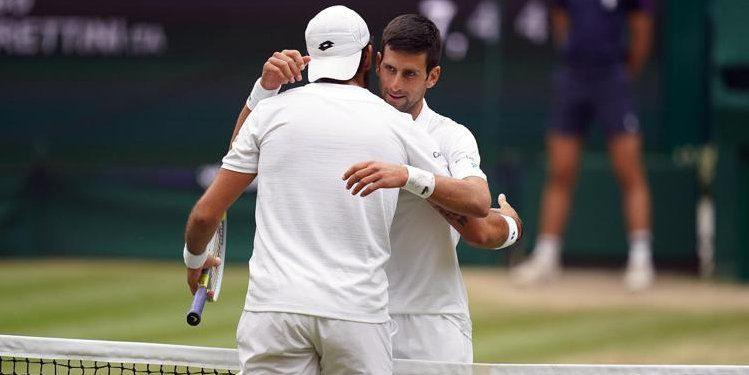 leone - Wimbledon, Djokovic batte Berrettini in finale e trionfa