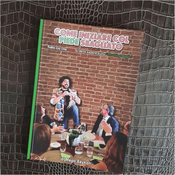 """175127374 3764020600390563 4452750359065630160 n - Il mago Saikon, il libro """"Come iniziare col piede sbagliato"""" e la storia delle scarpe bicolori."""