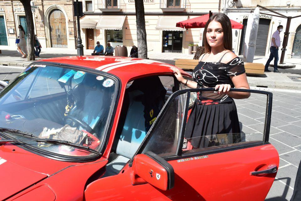 DSC 0018 960x640 - Vallo, raduno auto d'epoca - incontriamo Giusy Sansone (video)