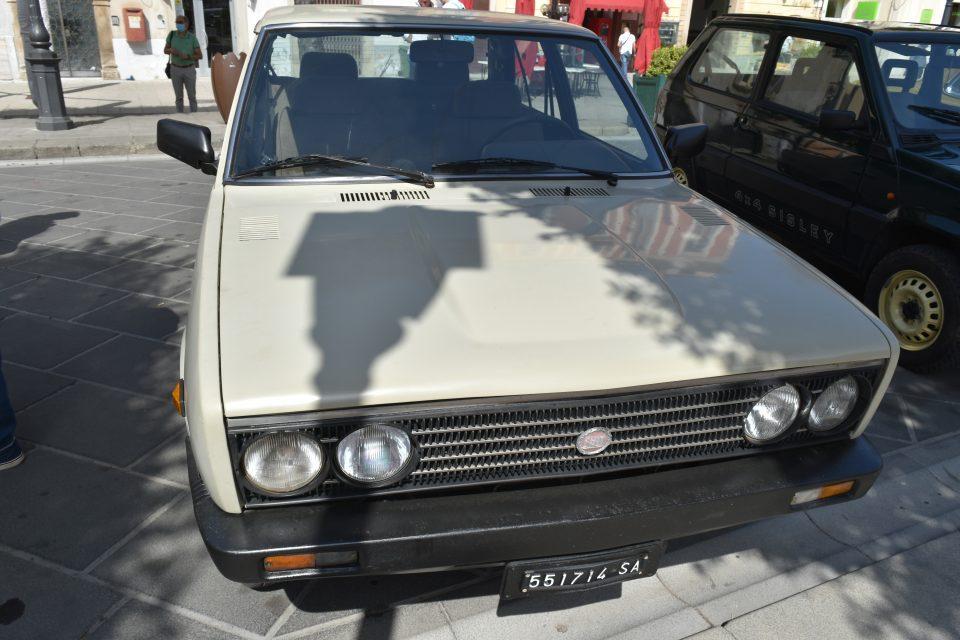 DSC 0019 960x640 - Vallo, raduno auto d'epoca - incontriamo Giusy Sansone (video)