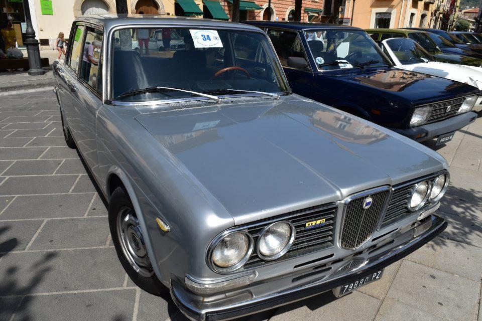 DSC 0051 960x640 - Vallo, raduno auto d'epoca - incontriamo Giusy Sansone (video)