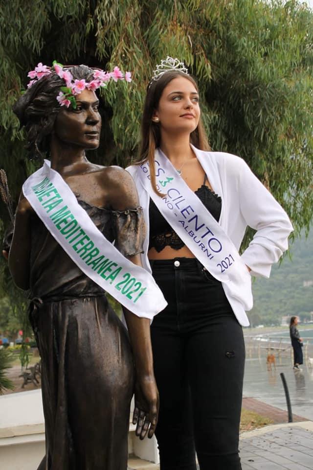 "dieta11 - L'opera di Sapri è Miss Dieta Mediterranea 2021 ""Ho voluto ricordare così lo scultore Gelsomino Casula"""