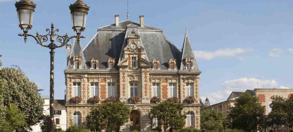france 1024x461 - Capaccio Paestum pronta a gemellarsi con la città francese di Rueil-Malmaison