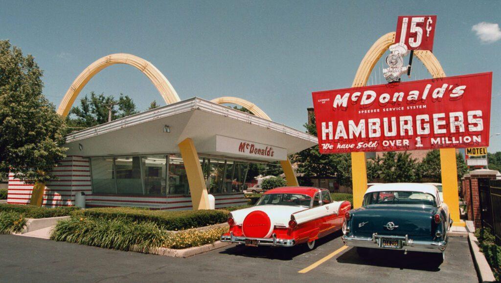 """Capaccio e McDonald's """"Le giornate insieme a te per l'ambiente"""" – conferenza stampa 26/10/21"""