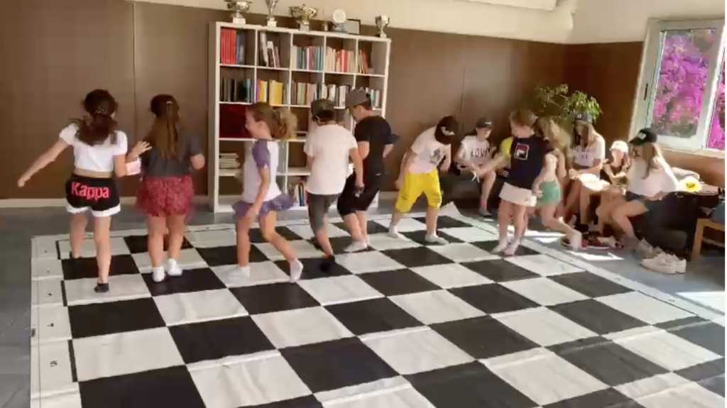 Imparare a giocare agli scacchi: un'utilità per la vita. l'Associazione Dilettantistica Scacchistica Partenopea  del Vomero, apre ai piccoli e ai grandi
